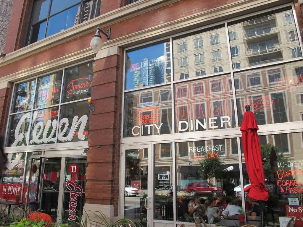 Gdzie warto zjeść w Chicago - Eleven City Diner.