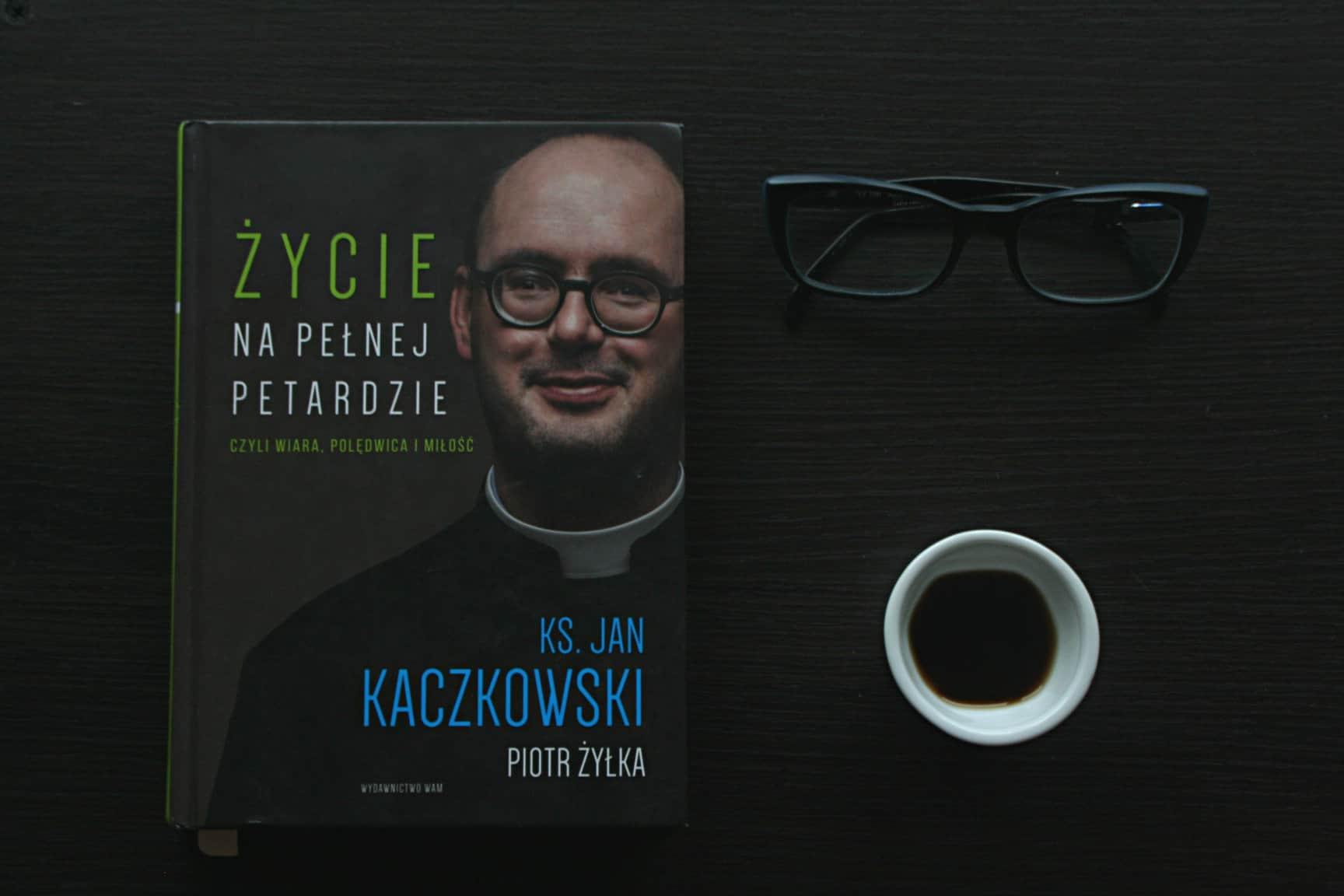 """#12 Książka do kawy – """"Życie na pełnej petardzie"""""""