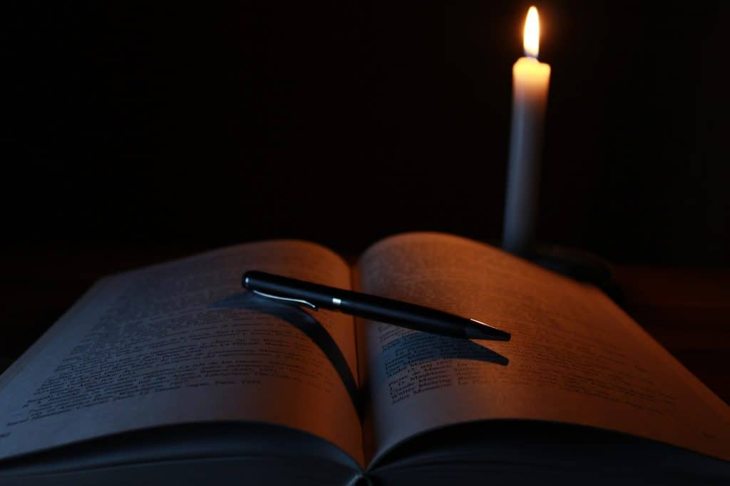 candle-1646765_1920