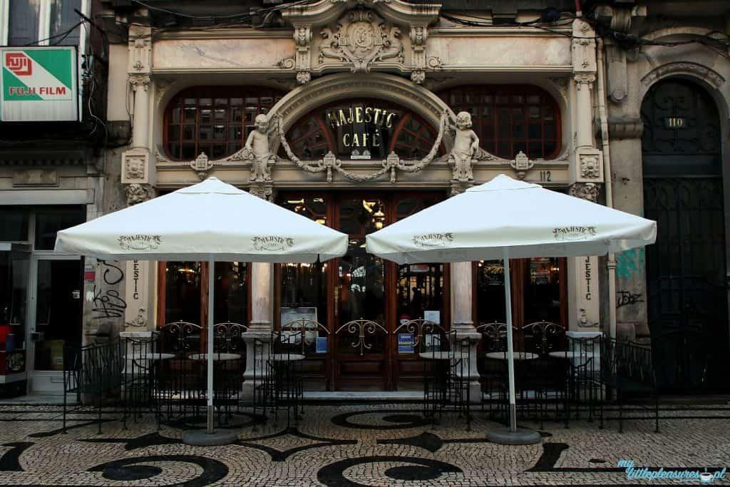 Wejście do Cafe Majestic w Porto - co i gdzie zjeść w Porto.