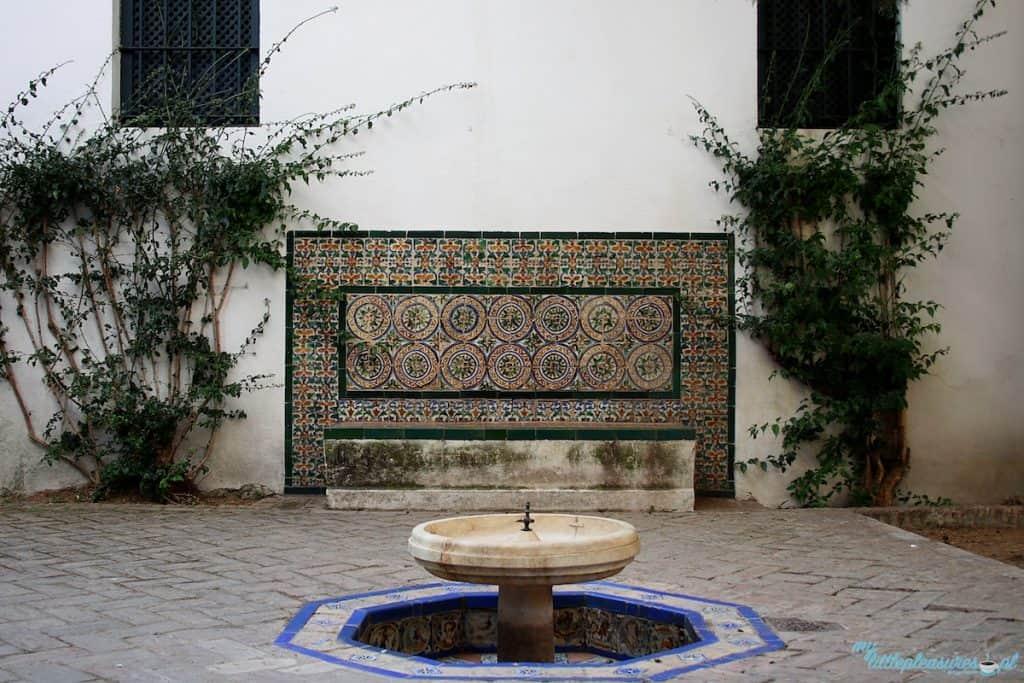 Real Alcazar w Sewilli.