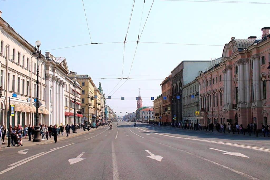 Przewodnik po Peterxsburgu - Newski Prospekt.