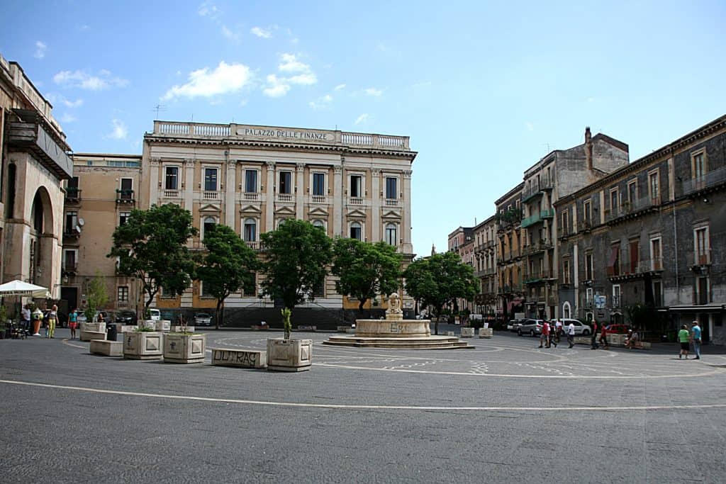 Katania Piazza Teatro.