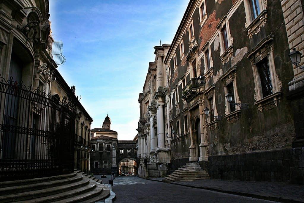 Katania Via Crociferi.
