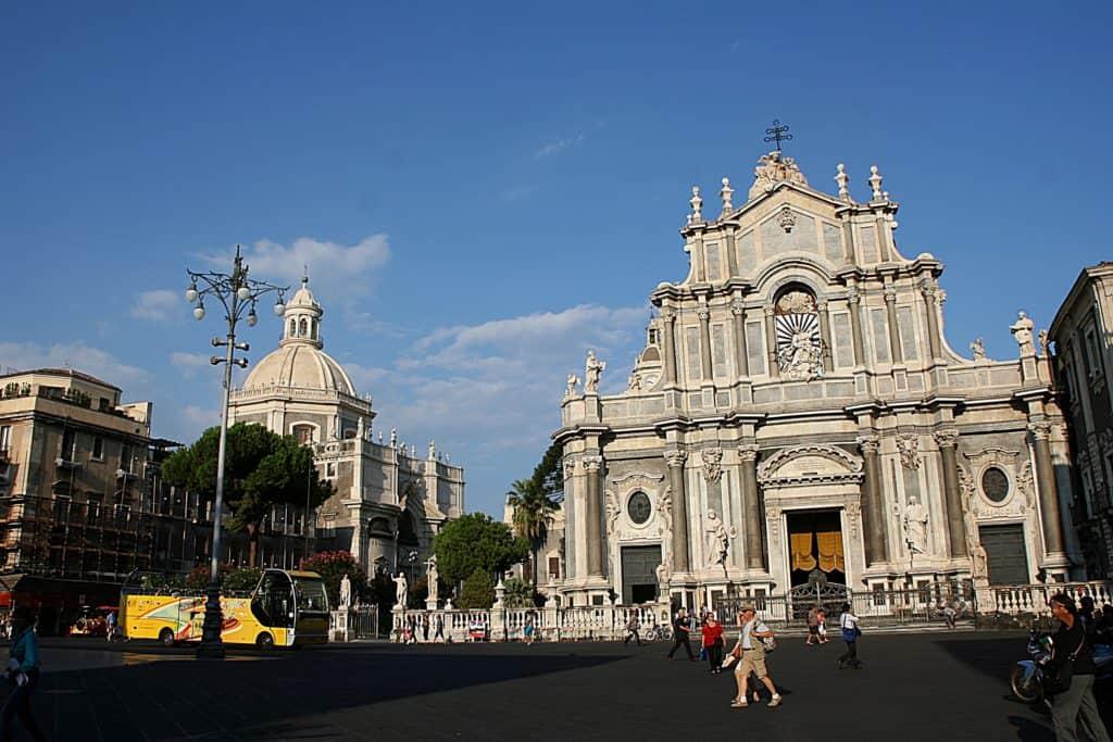 Katania - co zobaczyć - Piazza Duomo.
