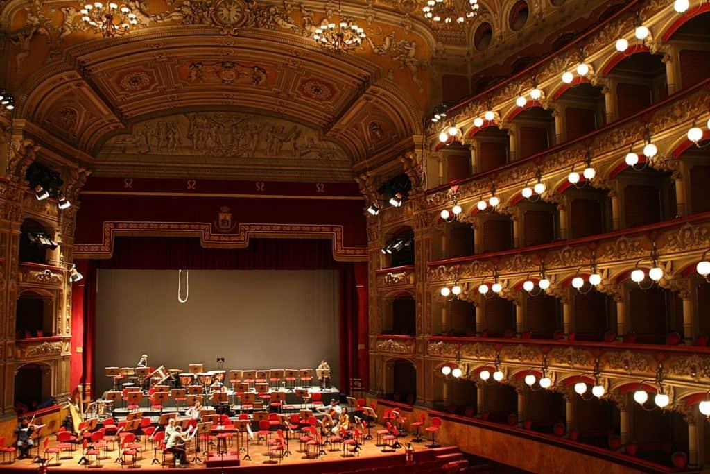 Przewodnik po Katanii - Teatr Bellini.