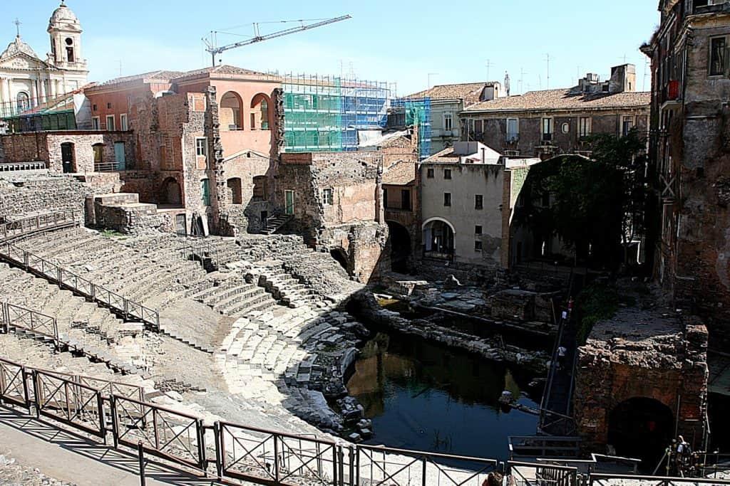 Katania - co zobaczyć - Teatro Romano.