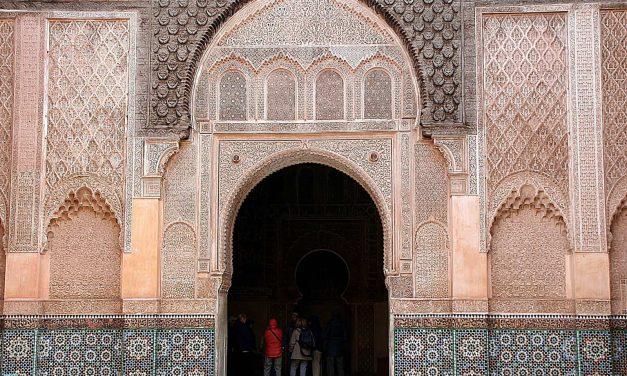 Marrakesz, prawdziwe serce Maroka – co warto zobaczyć i gdzie spać