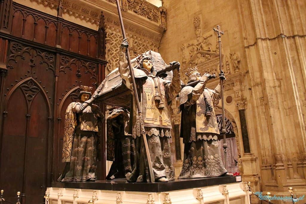 Katedra w Sewilli - grobowiec Kolumba.