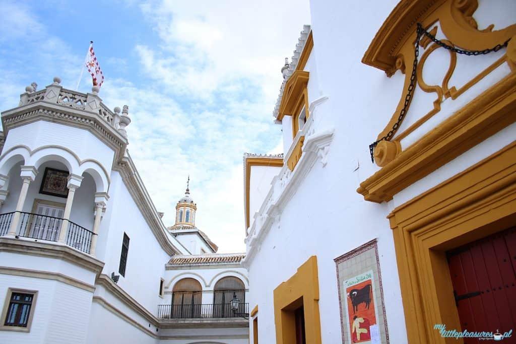 Plaza de Toros w Sewilli.
