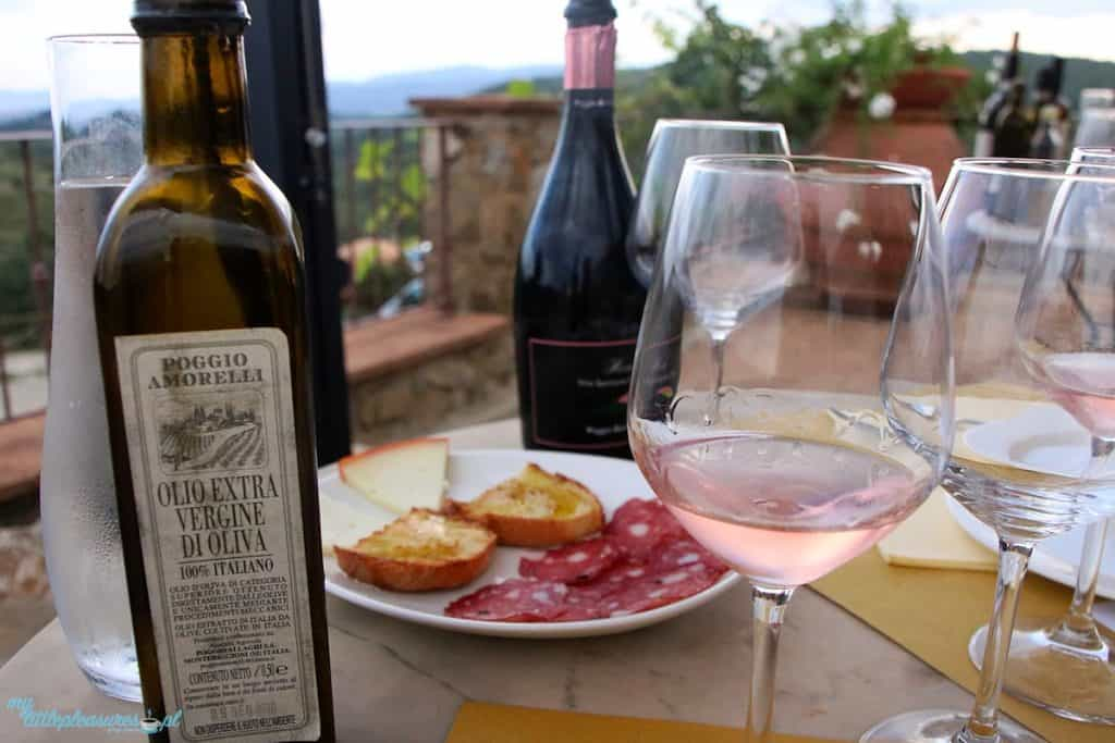 Degustacja wina w Toskanii.