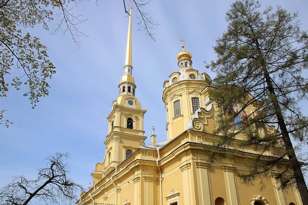 Sobór św. Piotra i Pawła w Petersburgu.